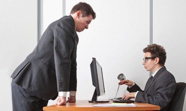 Отношения между начальником и подчиненным